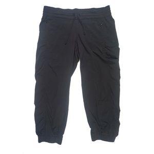 Athleta Black La Viva Crop Capri Jogger Pants Sz 4